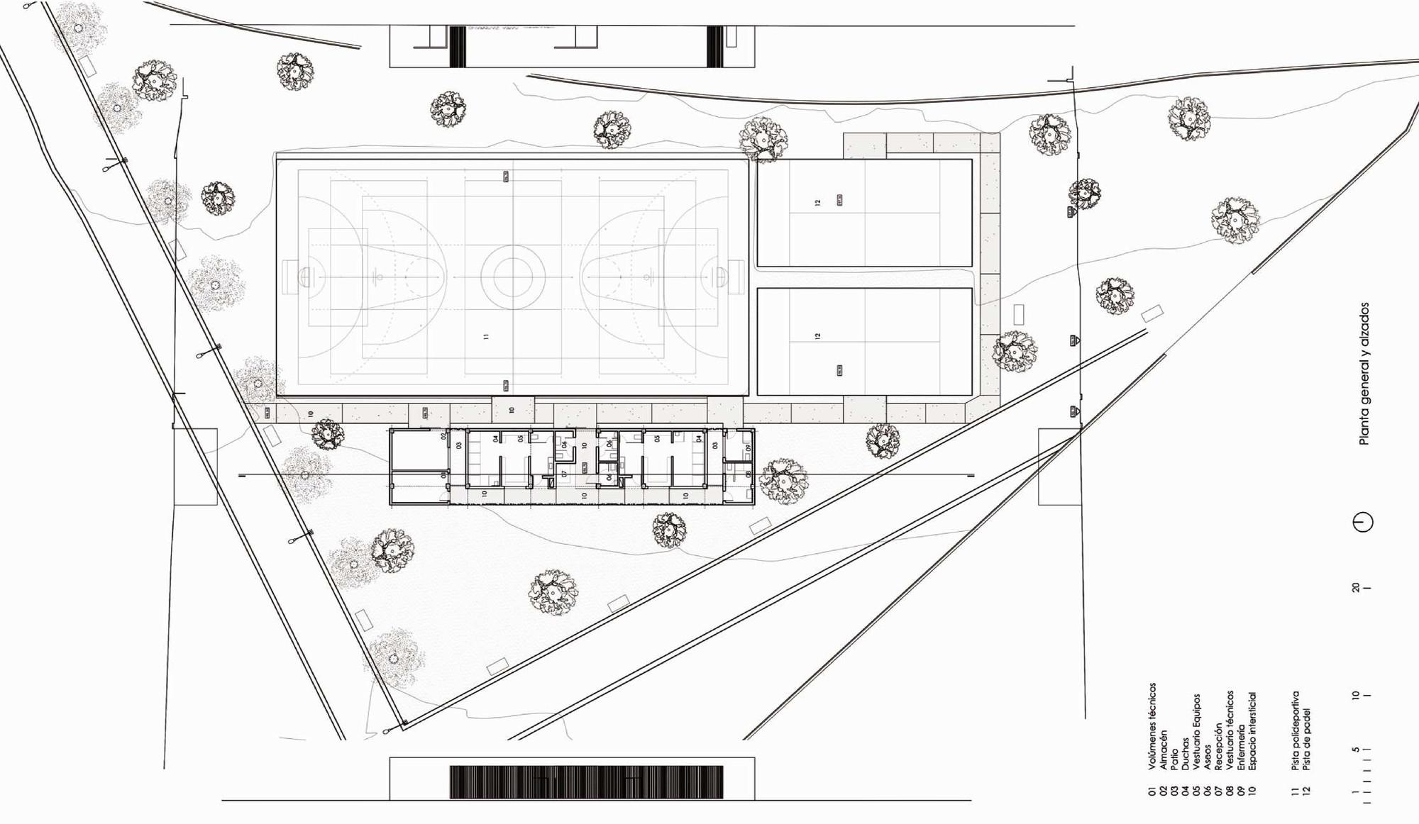 Vestuarios y pistas deportivas gana arquitectura for Plantas de oficinas arquitectura