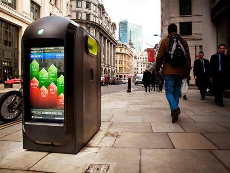 As lixeiras da cidade de Londres agora transmitem notícias, Cortesia de Exame