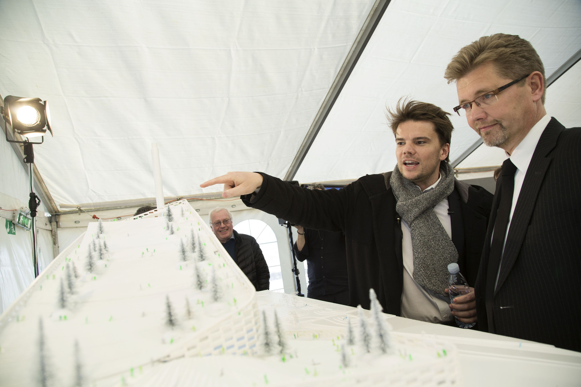 Big s waste to energy plant breaks ground breaks schemas for Big bjarke ingels group