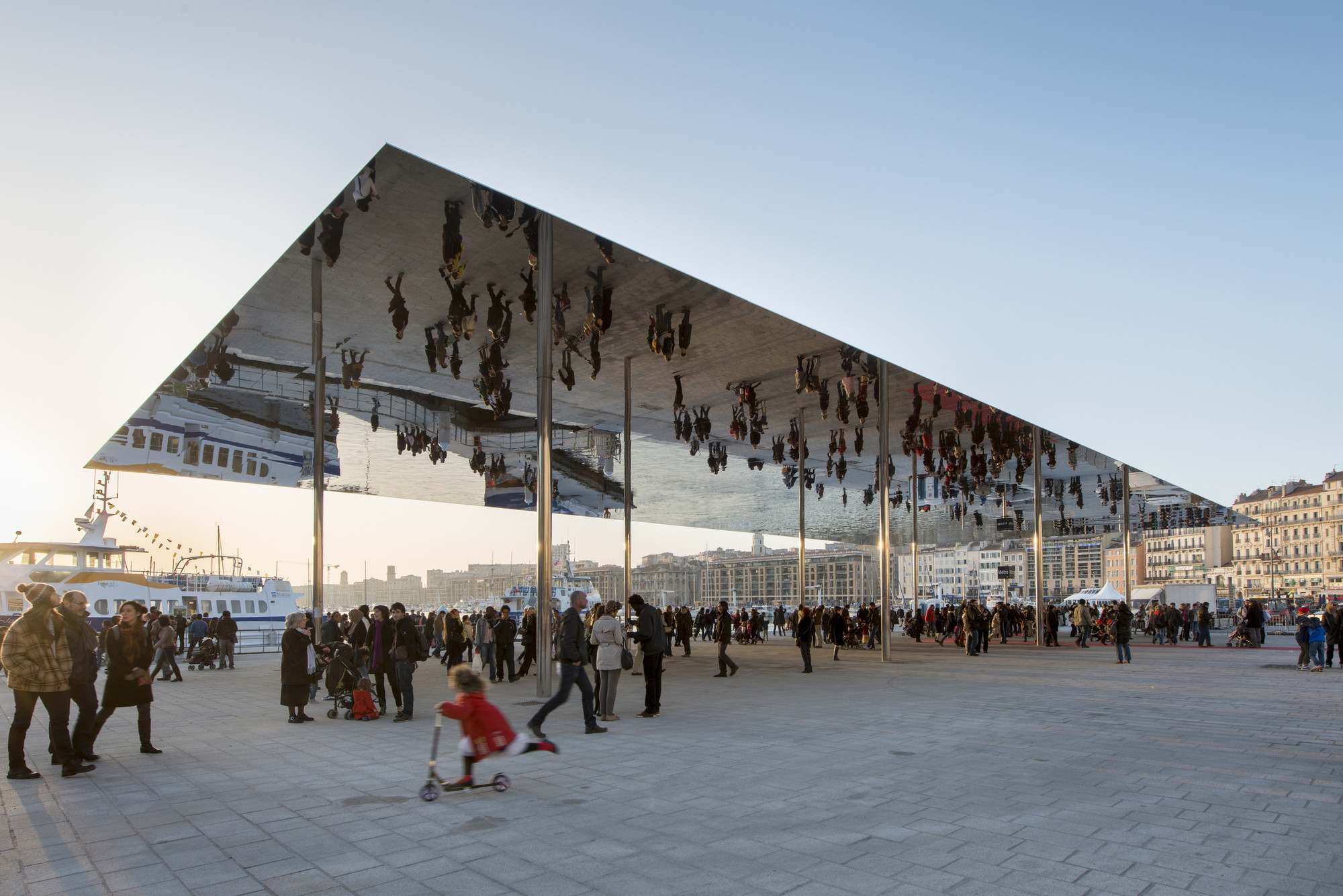 Vieux Port Pavilion / Foster + Partners, © Nigel Young / Foster + Partners