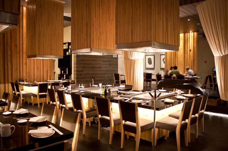 Restaurante sato taller5 arquitectura archdaily brasil for Restaurante arquitectura