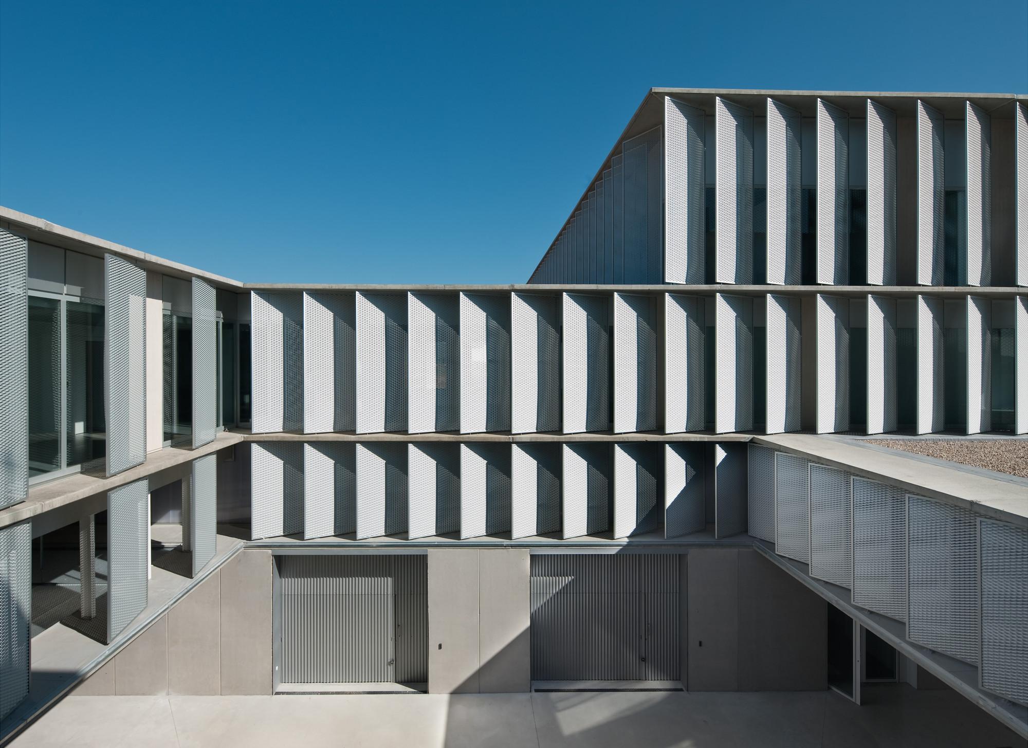 Miguel De Eguía De Estella Technological Center / MRM Arquitectos