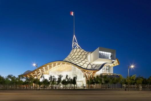Centre Pompidou - Metz, Metz, France by Shigeru Ban and Jean de Gastine Architectes with Gumuchdjian Architects © Didier Boy de la Tour