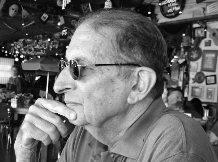 Faleceu o  grande Crítico e Historiador de Arquitetura Roberto Segre 1934-2013, © http://arquitectura-cuba.blogspot.com