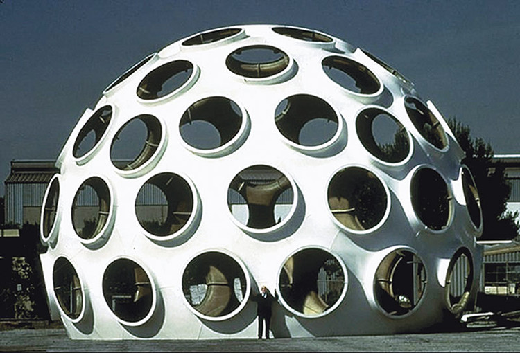 "Restauro do Domo ""Fly's Eye"" de Buckminster Fuller, © John Warren"
