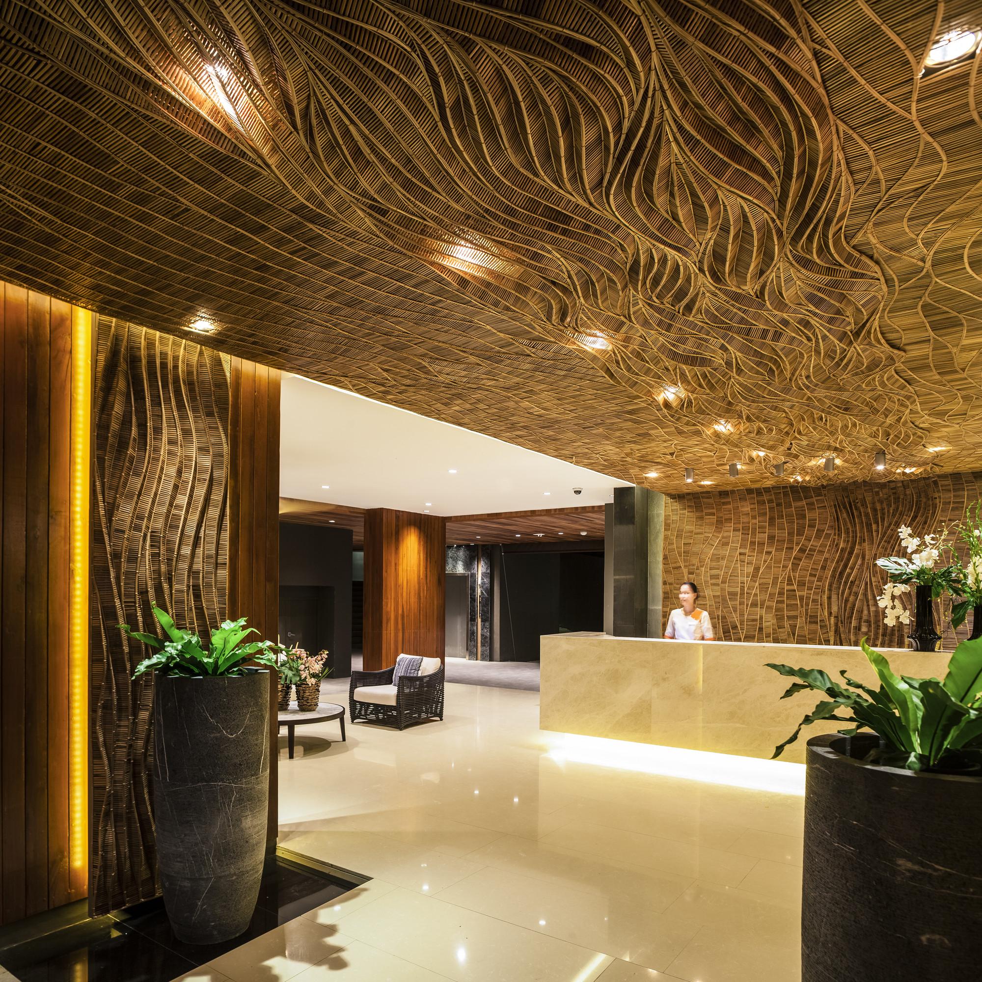 Gallery of kc grande resort spa hillside foundry of for Hotel spa decor