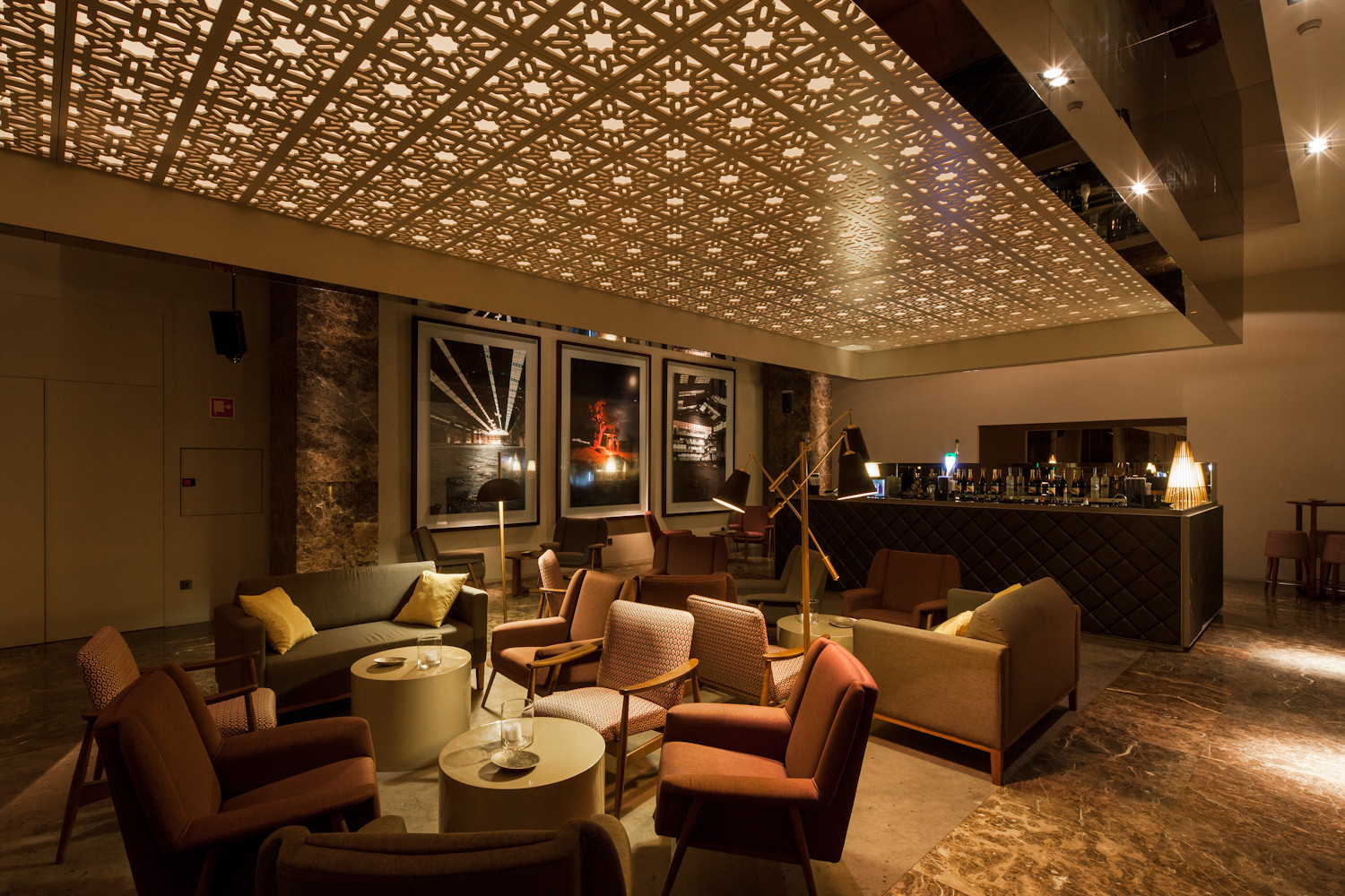 Gallery of bozen bar central arquitectos 15 for Designhotel bozen