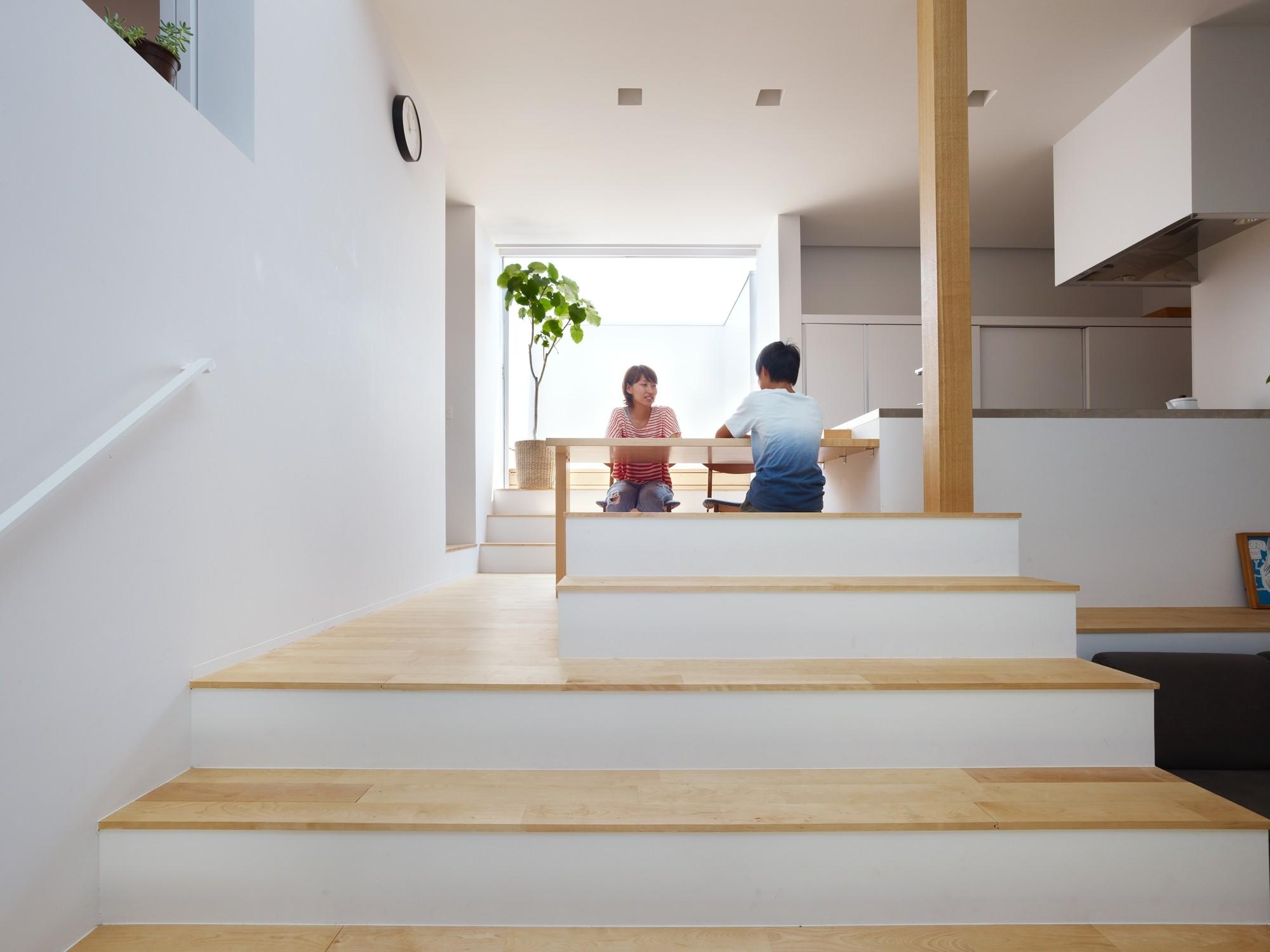 Gallery of house in hakusan fujiwaramuro architects 7 for Transformer un conteneur en habitation