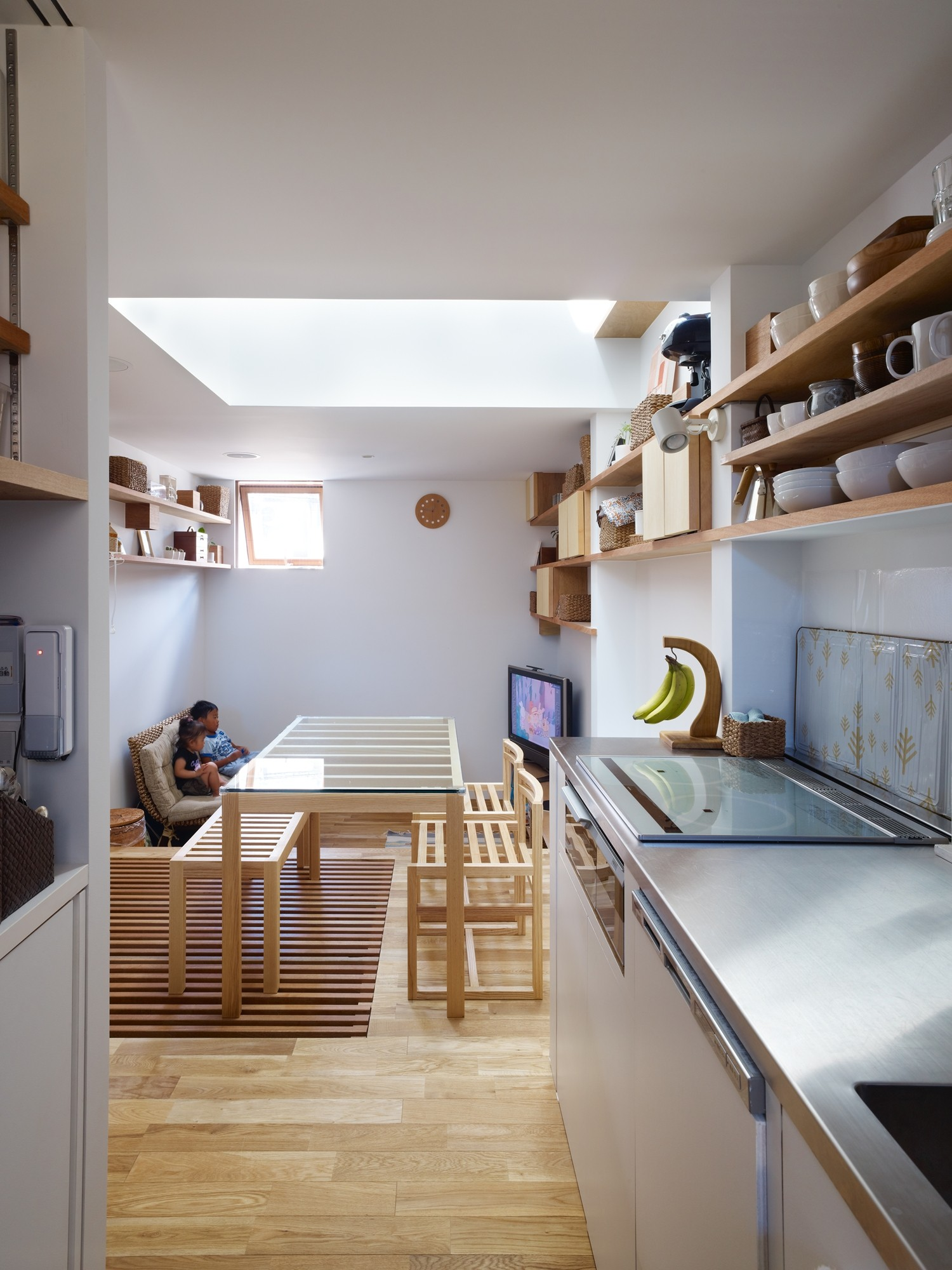 House in Nada / FujiwaraMuro Architects   ArchDaily on small apartment building in japan, houses in tokyo japan, tall skinny building in japan, narrow house interior design, micro houses in japan,