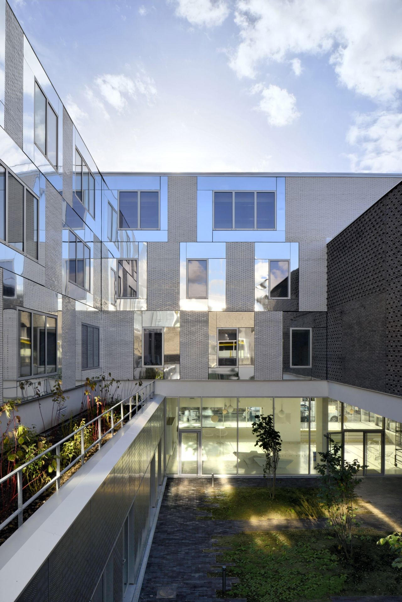 The extension of the Montreuil Polytechnic / 2/3/4/