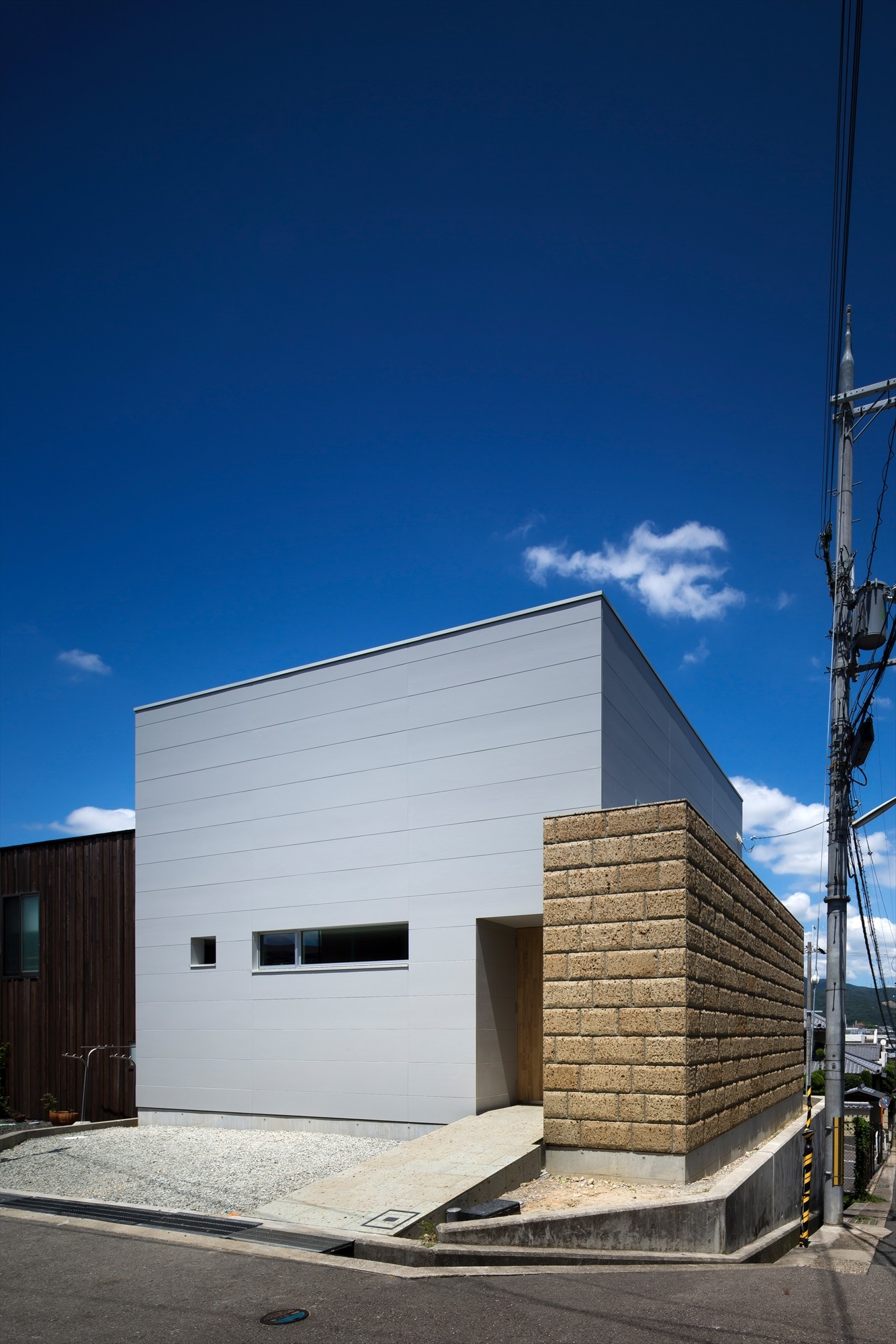 Gallery of House in Minoh2 / FujiwaraMuro Architects  - 2