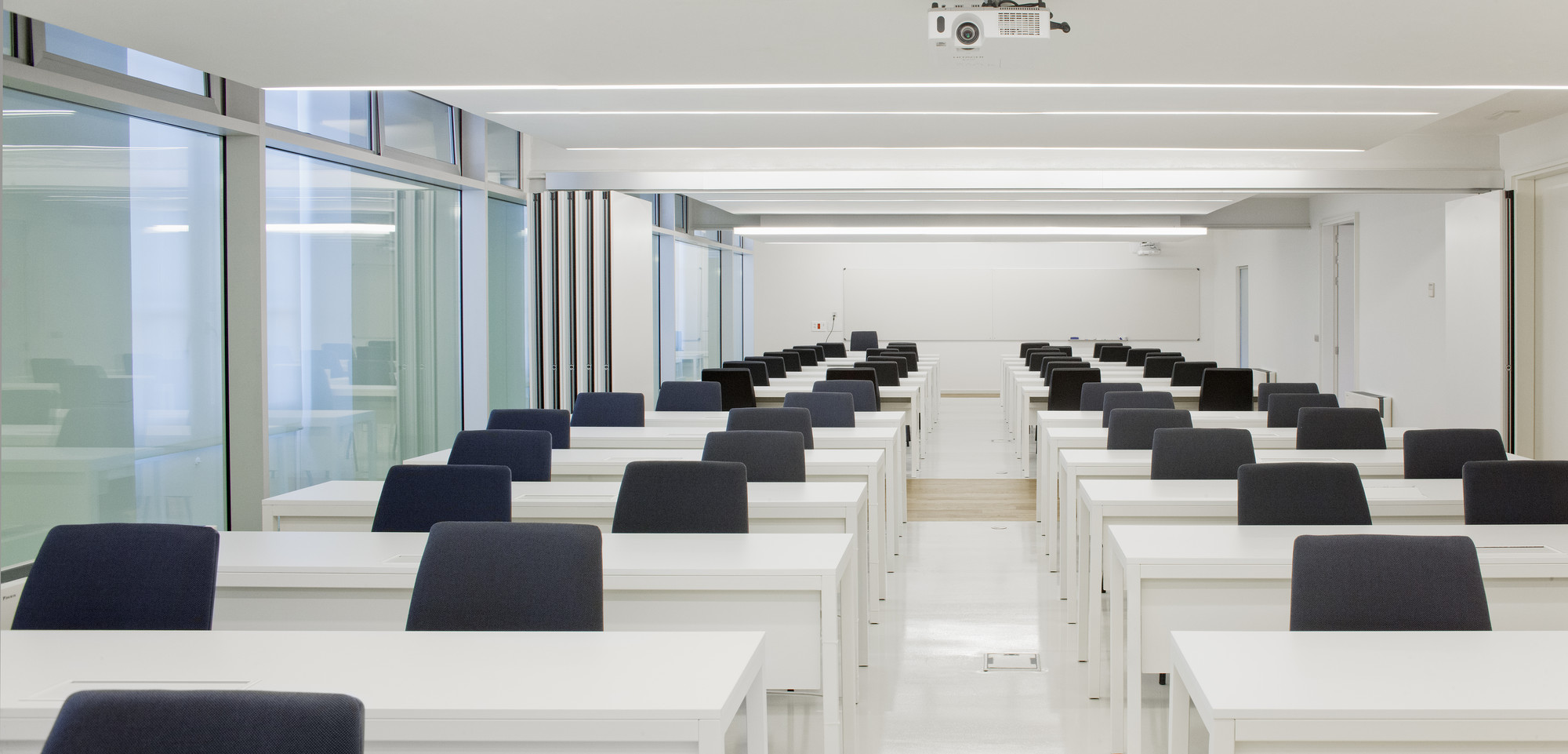 Gallery of Refurbishment of Deusto University / ACXT - 31