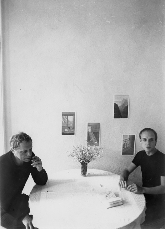 Peter Schmidt with Brian Eno. What would it be like to sit at that table in that room. Via revelinnewyork.com