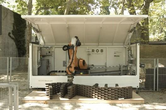 """Courtesy of ETH Zurich - """"R-O-B Mobile Fabrication Unit"""""""