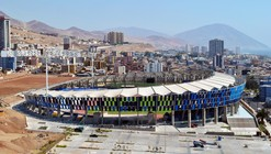Estadio Regional de Antofagasta / Valle & Cornejo Arquitectos  + Nicolás Lipthay
