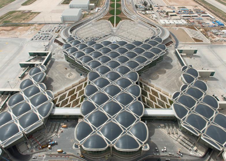 Foster + Partners inaugura nuevo aeropuerto sustentable en Jordania, © Nigel Young