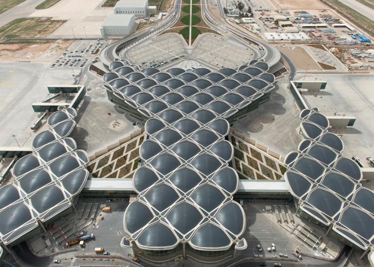 Foster + Partners inaugura o novo aeroporto sustentável na Jordânia, © Nigel Young