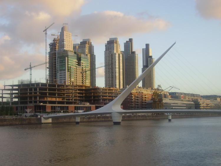 Operação Puerto Madero: Estratégias de gentrificacão em Buenos Aires, via Plataforma Urbana