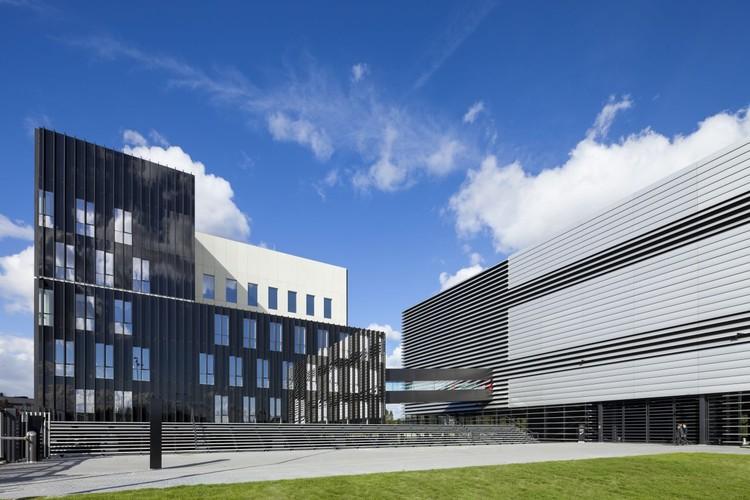 Datacenter AM3 / Benthem Crouwel Architects, © Jannes Linders