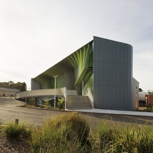 Knox Innovation Opportunity and Sustainability Centre / Woods Bagot. Image © Peter Bennetts