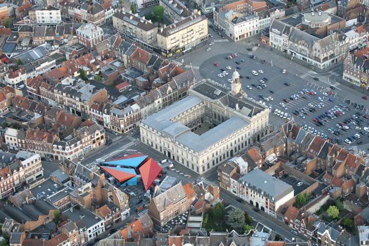 Centre Pompidou Mobile: El museo se vuelve nómade para recorrer Francia a través de una estructura flexible y prefabricada, © Centre Pompidou & Studio Déclic Cambrai