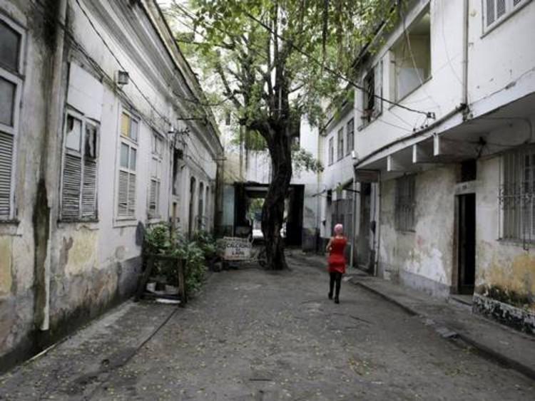 Rio de Janeiro receberá incentivo oficial para salvar seus imóveis das ruínas, Rua do Lavradio © Hudson Pontes via O Globo
