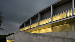 Municipalidad de Utebo Sports Center / Basilio Tobías