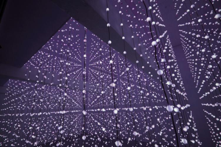 Submergence: um espaço flutuante de luzes / Squidsoup, © vía Squidsoup