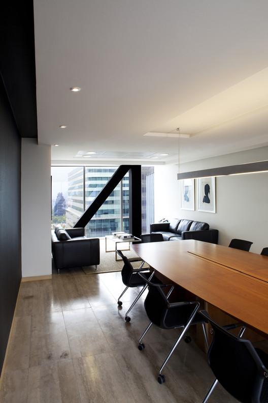 Oficinas Porzio / Claro + Westendarp Architects, © Natalia Vial