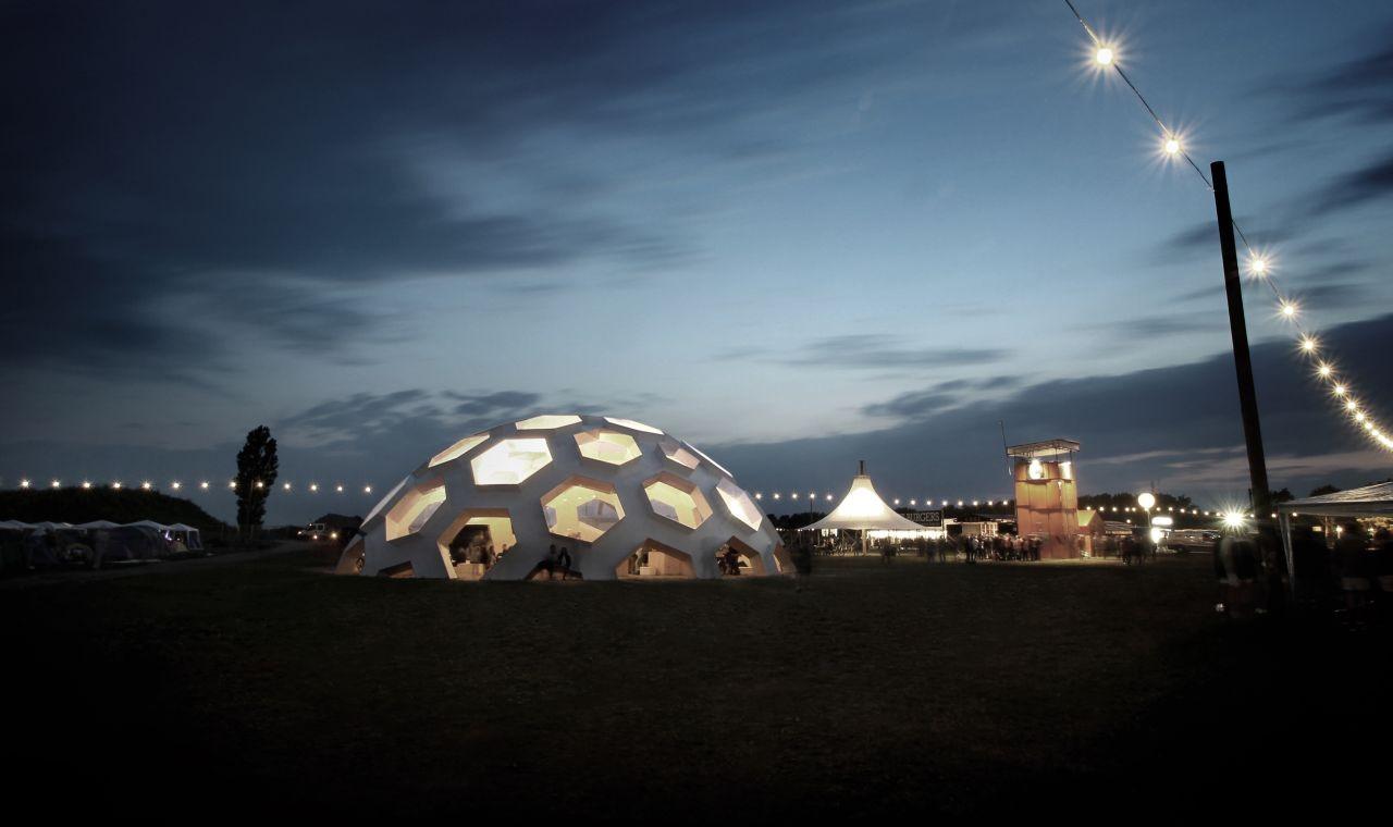 Roskilde Dome 2012Courtesy of Kristoffer Tejlgaard Gallery
