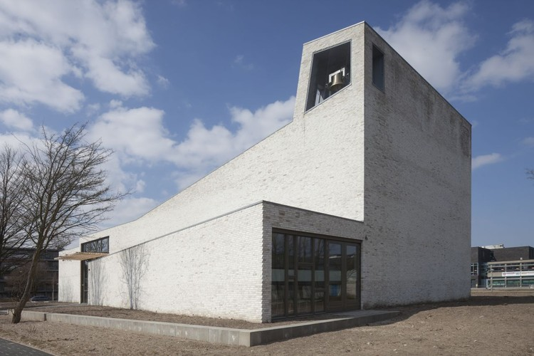 Iglesia Morava / 70F Architecture, © Luuk Kramer