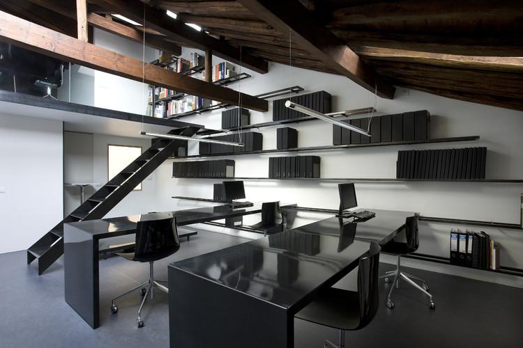Estúdio Blurlogroño / Blur Arquitectura, © Berta Buzunariz