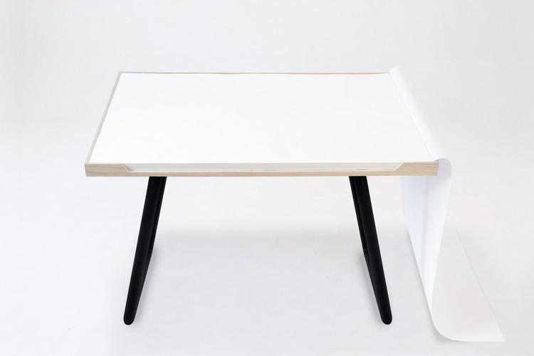 My Desk / Miguel Mestre, Cortesia de Miguel Mestre
