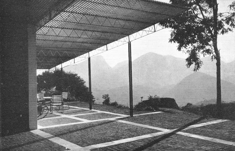 Clássicos da Arquitetura: Casa Lota de Macedo Soares / Sérgio Bernardes, © AA, n. 90