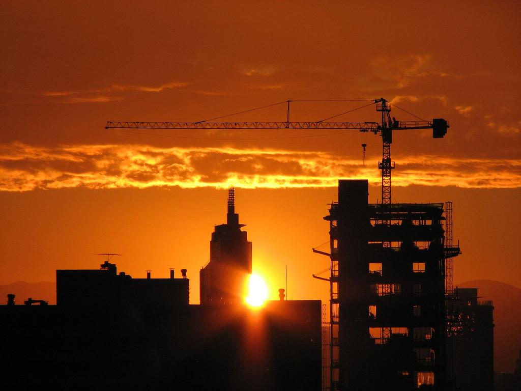 Nueva normativa para el ahorro energético de edificios y grandes empresas en España