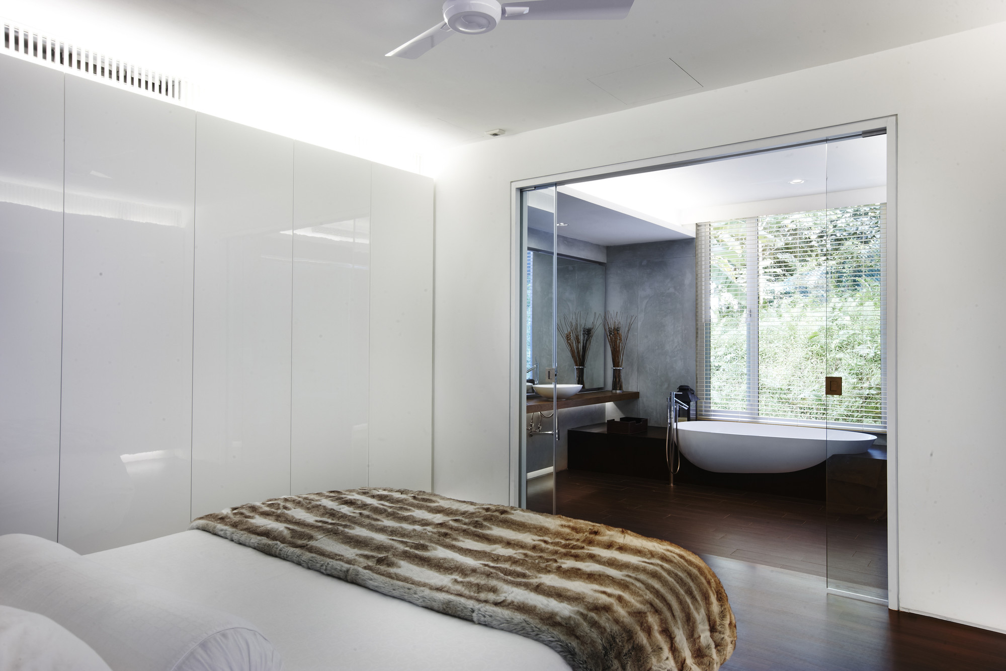 Cairnhill Road Conservation Terrace House / RichardHO Architects ...