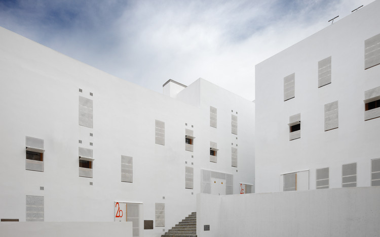 Housing in the Historic District of Cadiz / Cano Lasso, © Pablo Diaz-Fierros
