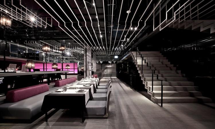 ZENSE: O Renascimento / Department of Architecture, © Ketsiree Wongwan