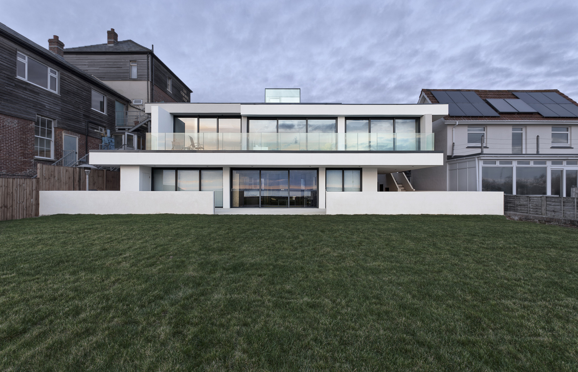 The Lighthouse 65 / AR Design Studio | ArchDaily