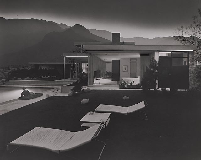 Build Your Own Neutra Home!, Kaufmann House, 1947 Palm Springs, CA / Richard Neutra, architect © Julius Schulman