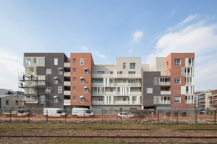70 Homes in Landy Sud / PETITDIDIERPRIOUX Architects, © 11h45