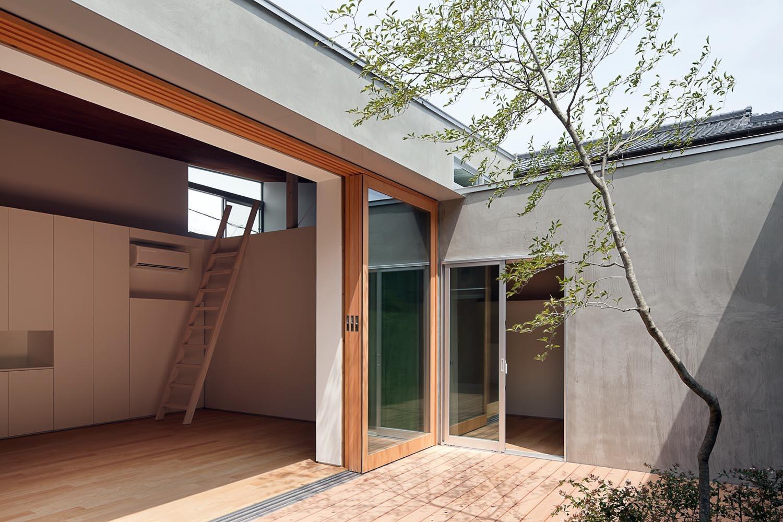 House in Gamagori / Kazuki Moroe Architects, © Hiroshi Ueda