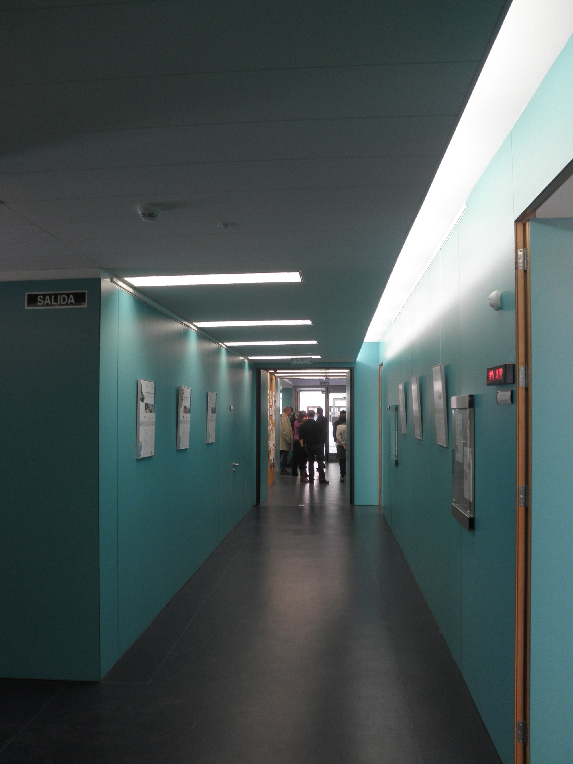 """""""INTRAS"""" Center for the Mentally Disabled / Amas4arquitectura"""