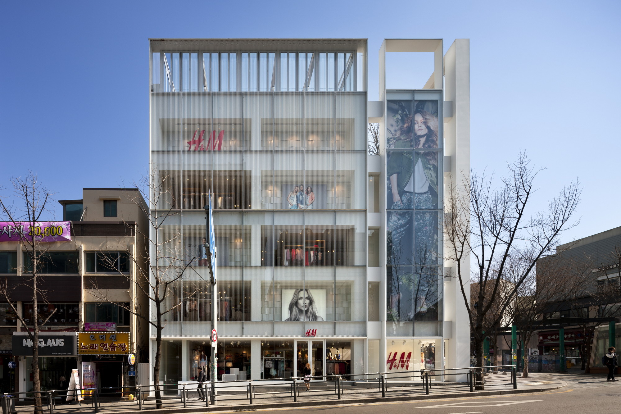 Gallery of H&M Seoul Hongdae Store / D.LIM architects - 8