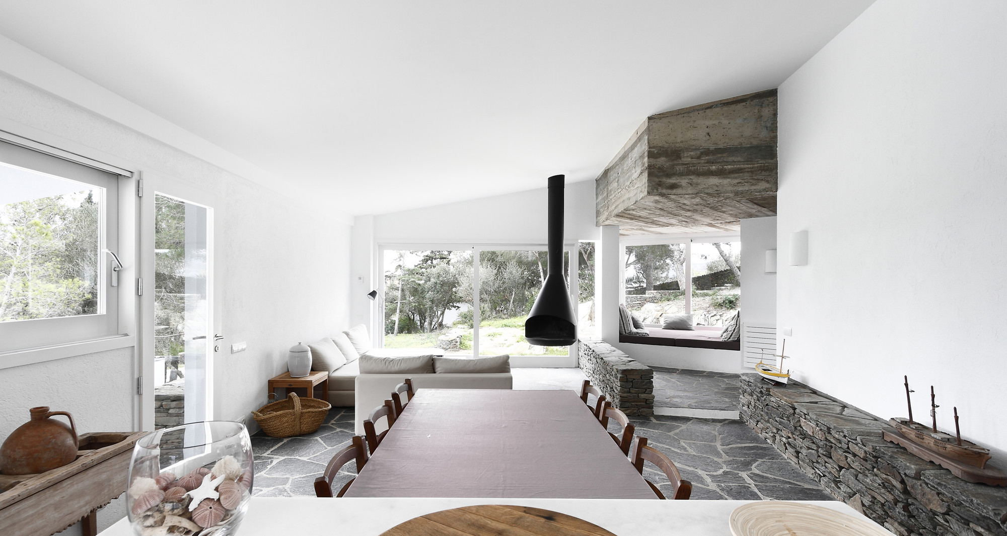 Beach House in Ses Oliveres / Toni Girones