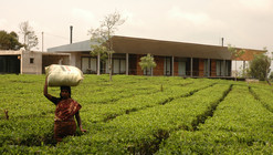 House in a Tea Garden / RMA Architects