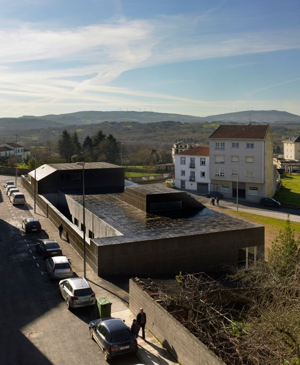 Monterroso Health Center / Abalo Alonso Arquitectos