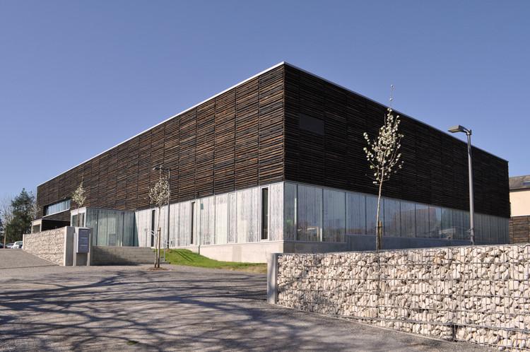 Casa de la Cultura y Conocimiento  / 2NE Architecture, Cortesía de 2NE Architecture