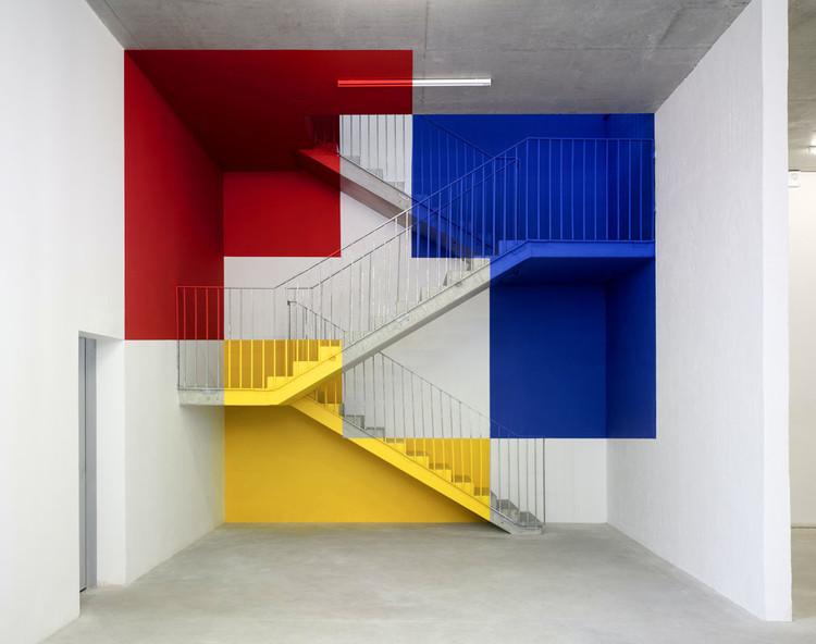 Arte e Arquitetura: Decomposição da Geometria/ Intervenções de Felice Varini, Cortesia do Website Felice Varini