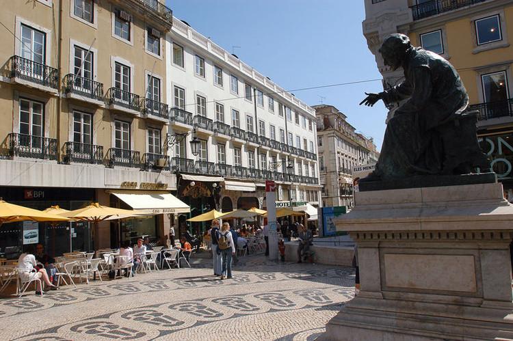 Patrimônio, espaço público e sustentabilidade urbana